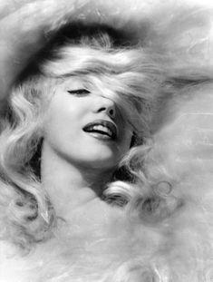 Marilyn Monroe by Jack Cardiff - 1956 pencil drawing