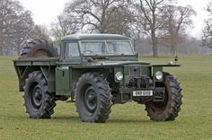 "Land Rover ""Big Foot"" wtf is this! love it!!!"