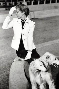 1950 Vogue. Model: Lisa Fonssagrives
