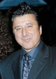 Ex-Journey singer Steve Perry reveals cancer battle