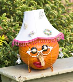 Unique Pumpkin Decorating Ideas | creative-halloween-pumpkins-Aunt-Hattie