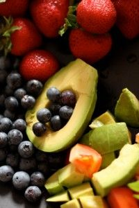 The Five Best Foods for Improving Memory and Brain Function: blueberries, green tea, dark chocolate, apples, and avocados.