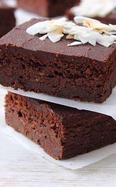 GLUTEN FREE - VEGAN - SUGAR FREE fudgy brownie cakes