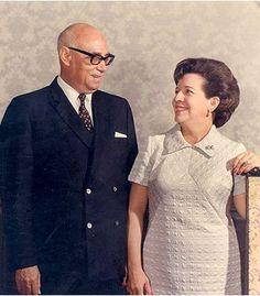 Raul Leoni y Doña Menca de Leoni