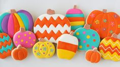 pumpkin cookies, halloween pumpkins, icing recipes, painted pumpkins, decorated cookies, gluten free, chevron, color pumpkin, halloween cookies