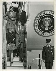 President Ronald Reagan, Nancy Reagan, Norma Lagomarsino, and Robert J. Lagomarsino disembarking Air Force One.