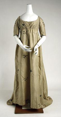 c. 1800 silk dress. Metropolitan Museum of Art.