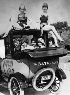The roaring 20's - off to the bath house!