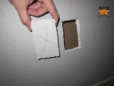 mounting_tv_on_wall_how_to_hoh_18 by benhepworth, via Flickr