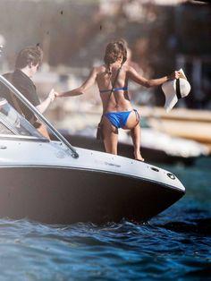 Eva Longoria's butt in bikini http://www.famousnakedcelebrities.com/movie-stars/eva-longorias-ass-in-bikini-on-a-boat/ #EvaLongoria #ass #paparzzi #bikini