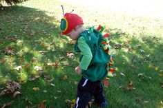 (7) COSTUME: The Hungry Caterpillar.   I LOVE this costume, step by step instructions  #WorldEricCarle #HungryCaterpillar