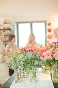 A flower arranging party. Such a great idea! Photography By / http://mossandisaac.com