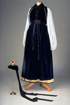 Traditional dress, c. 1860, Hasli region, Switzerland.