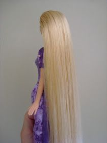 Detangling Doll's Hair without using fabric softener.