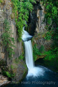 Impressive Photos of Natural Beauties - Toketee Falls, Oregon, USA