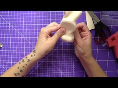 FOFUCHAS. como hacer cuerpo femenino con curvas - YouTube