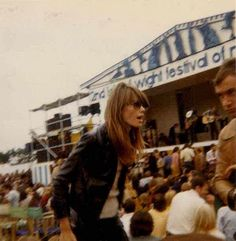 françoise hardy at the isle of wight, 1969