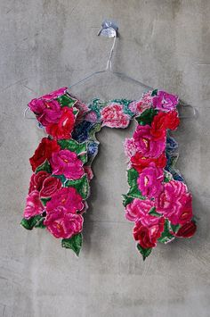 boho gypsy, inspir fashion, style, cloth, color patterns, appliques, rose vest, flowers, bohemian