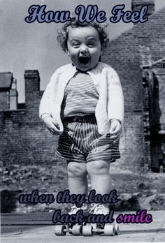 How boys feel when girls look back and smile. Too good #funny #Humor #kids