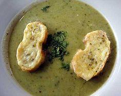 Crema de Brócoli y Yautía con Tostadas de Pan
