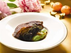 Braised Pig's Trotter with Prosperity Moss