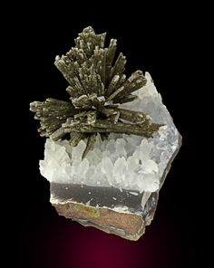 ...quartz after Anhyfrite from Brazil...