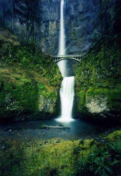 Multnomah Falls in the Columbia River Gorge, Oregon