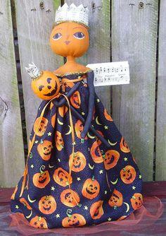 Primitive Halloween Doll Pumpkin Queen