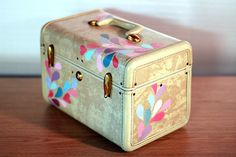 cute upcycled vintage train case