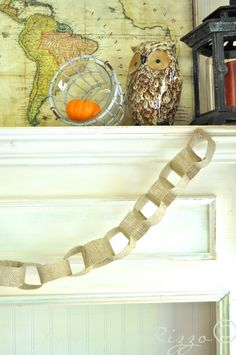 How to make a burlap fabric chain
