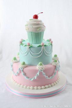 Perfect little girl cake