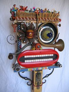 upcycle art, toys sculpture recycled, recycling art, upcycled toys, upcycled art, upcycl art, recycl art, assemblag, recycled art