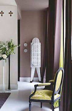 Mauve bathroom on pinterest window molding trim dark for Mauve bathroom ideas