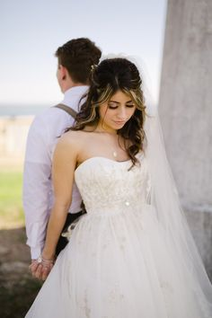 sweet first look idea, photo by Daphne and Dean http://ruffledblog.com/lighthouse-point-park-wedding #weddingideas #firstlook