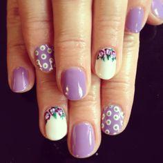 Nail nails art design gelish shellac flower floral dots polkadots purple white cute fun vintage