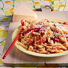 Rachael Ray's Penne with Bacon & Fennel Sauce 30-Minute Meal