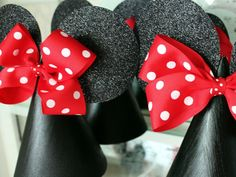 polka dots, disney parties, birthday parties, party hats, birthday hats, parti hat, parti idea, minnie mouse party, minni mous