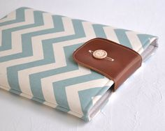 LOVE THIS! Chevron Laptop Cover, 13 Macbook Pro Cover, Macbook Pro Sleeve. via Etsy.