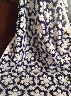 Gorgeous Crocheted Snowflake Afghan lovely in blue & white I bet it would be strking in red & white