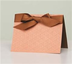 This beautfiul bow card is perfect for your lover!