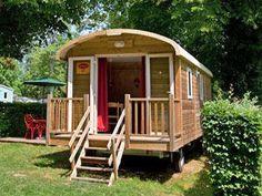 A wooden caravan for gypsy spirit holidays ! segunda residencia, latcho drom, gypsi soul