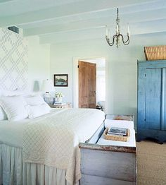 Love the Swedish feel of this bedroom...cottage-y!