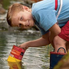 Kids can make their own Magnifying waterscope with a coffee can, plastic wrap and duct tape and look under water.  That is really a neat idea! educational crafts, lake, kid