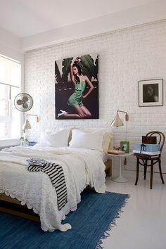 white stones bedding, interior, bedroom decor, beds, lamp, white bedrooms, bricks, rugs, design