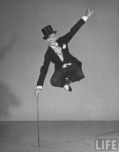 Fred Astaire tap dancing