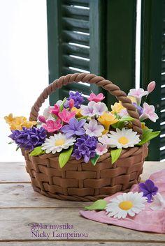 http://www.sugarflowerscreations.com/2013/04/blog-post_24.html