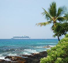 Cruise ship at Kailua Kona, Hawaii