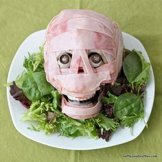 Halloween Recipes : Spooky Meat Head