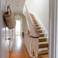 Brownstone stairs (placement)