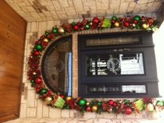 Christmas Decorating-#Red and #Green Doorway for Christmas